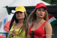 Black & Gold csinos hoszteszei a Speedway Ringen